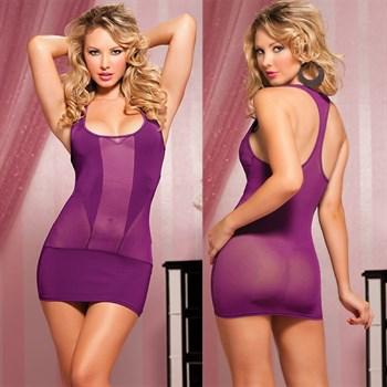 Однотонное эластичное платье с квадратным вырезом декольте