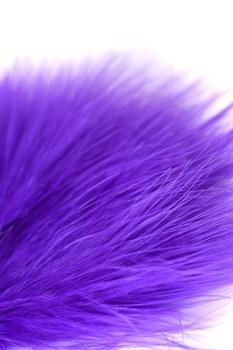 Фиолетовая пуховая щекоталка - 13 см.