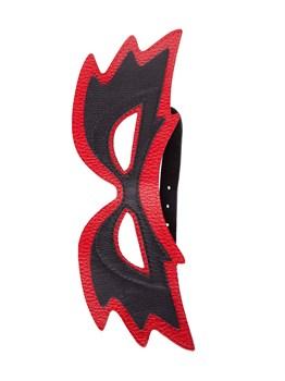 Чёрно-красная маска с прорезями для глаз