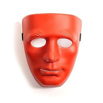 Красная маска из пластика