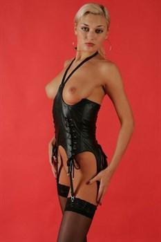 Женский корсет с открытой грудью