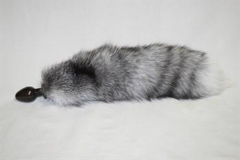 Анальная пробка чёрного цвета с серым лисьим хвостиком