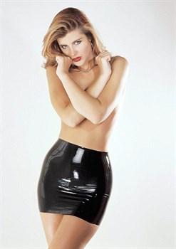 Латексная мини-юбка