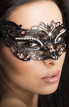 Ажурная маска, украшенная стразами