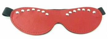Красная маска с декором