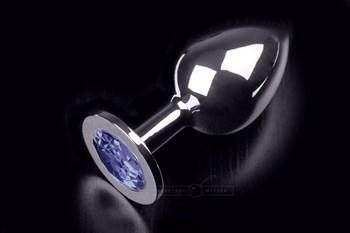 Большая серебристая анальная пробка с круглым кончиком и ярким синим кристаллом - 9 см.