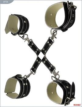 Крестовина с карабинами и манжеты для рук и ног из чёрной кожи