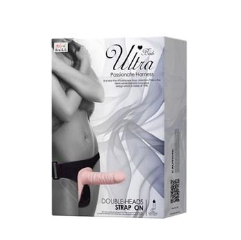 Женский страпон с вибрацией и вагинальной пробкой Ultra Passionate Harness - 18 см.