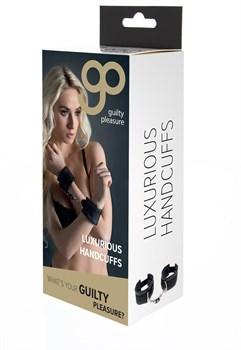 Чёрные полиуретановые наручники Luxurious Handcuffs