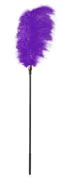 Стек с большим фиолетовым пером Large Feather Tickler - 65 см.
