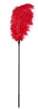 Стек с большим красным пером Large Feather Tickler - 65 см.