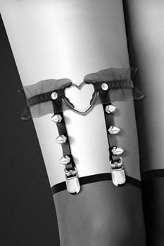 Подвязка с сердцем и шипами GARTER WITH HEART