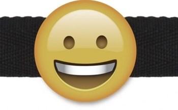 Кляп-смайлик Smiley Emoji с черными лентами