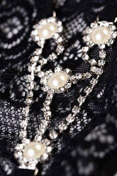 Трусики-стринги со стразами и жемчужинками Pearl
