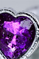 Серебристая коническая анальная пробка с фиолетовым кристаллом-сердечком - 7 см. - фото 1227793