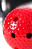 Красный кляп-шарик на черном регулируемом ремешке - фото 170250