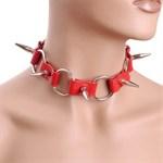 Красный кожаный ошейник с шипами - фото 1147935