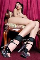 Оковы на ноги из неопрена черного цвета - фото 12979