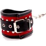 Фигурные красно-чёрные наручники с клёпками - фото 1149253