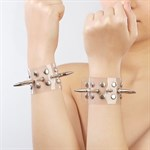 Прозрачные напульсники с шипами и заклепками - фото 1655576
