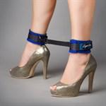 Сине-чёрные оковы на ноги из неопрена - фото 15594