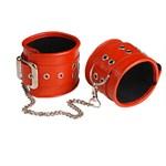 Красные кожаные оковы с широким ремешком - фото 1655605