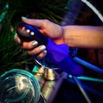 Фиолетовый пульсатор с клиторальным лепестком Bi Stronic Fusion - 21,5 см. - фото 509371
