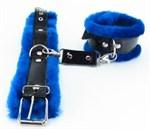 Оковы на ноги с синим мехом BDSM Light - фото 1158342