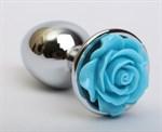 Серебристая анальная пробка с голубой розочкой - 7,6 см. - фото 199374