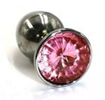 Большая серебристая алюминиевая анальная пробка с нежно-розовым кристаллом - 8,4 см. - фото 252199