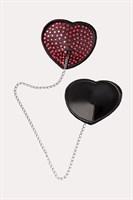Обольстительные пэстис в форме сердец со стразами и цепочкой - фото 487537